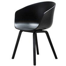 Hay - About A Chair AAC 22, Holz-Vierbeingestell (schwarz gebeizt) / schwarz