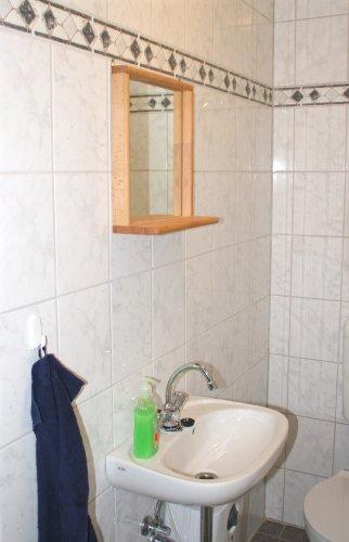 Dekorativer Spiegel für Bad, Flur und Toilette aus Massivholz Buche geölt. Stabiler, verschraubter Rahmen.